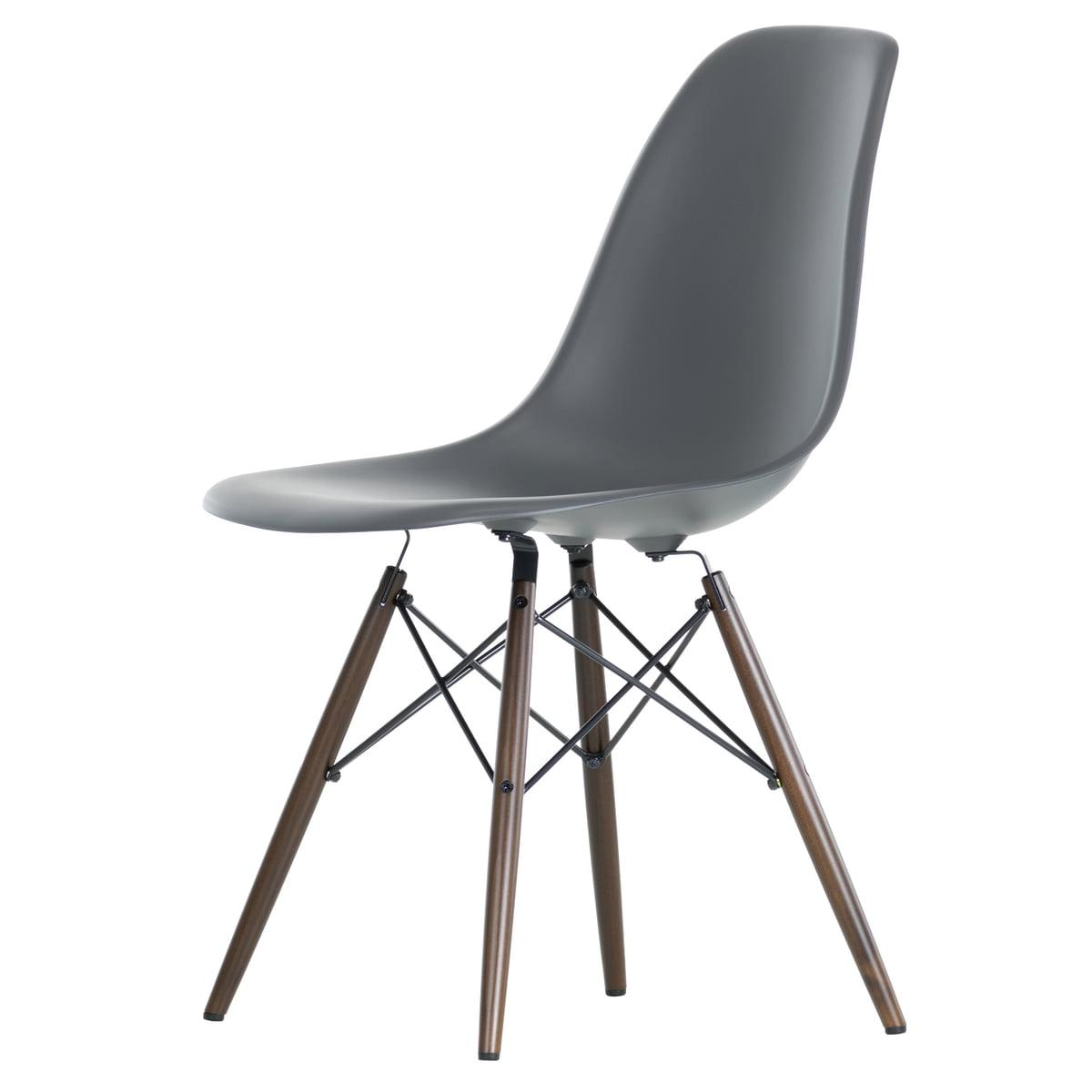 Eames Plastic Side Chair DSW (H 41 cm), Ahorn dunkel / basalt, Filzgleiter (schwarz)