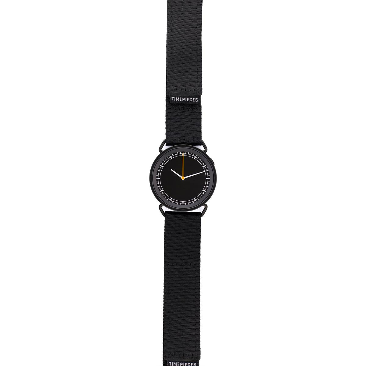 MUW Armbanduhr, schwarzes Ziffernblatt
