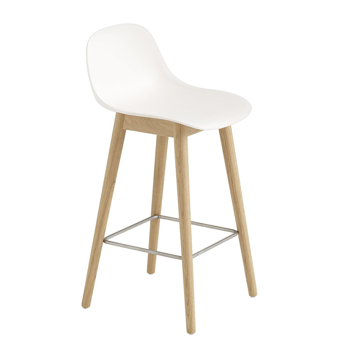 Muuto - Fiber Barhocker Wood Base mit Rückenlehne H 65 cm, Eiche / weiß | Küche und Esszimmer > Bar-Möbel > Barhocker | Muuto