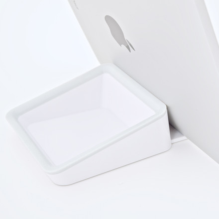Bluelounge Nest - iPad Stand
