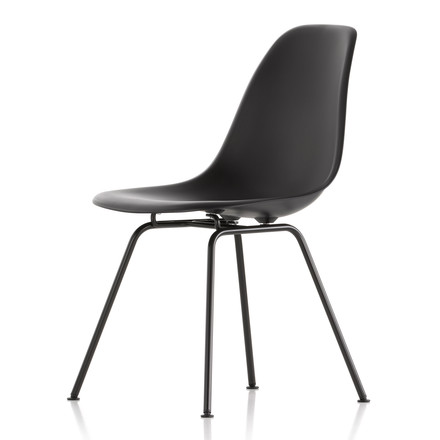 Eames Plastic Side Chair DSX von Vitra in schwarz