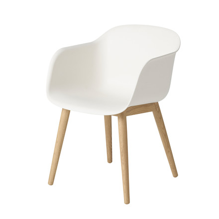 Muuto - Fiber Chair - Wood Base, weiß / Eiche