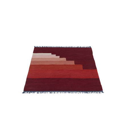 Another Rug AP1 Teppich, 90 x 140 cm von &Tradition in Vulcano Red