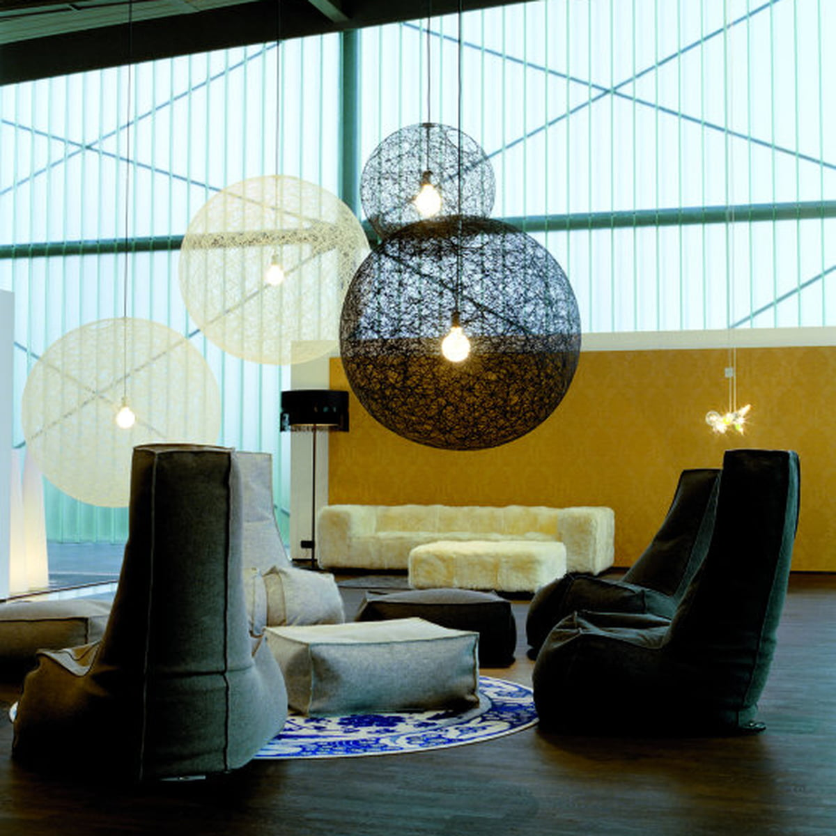 random light von moooi im shop. Black Bedroom Furniture Sets. Home Design Ideas
