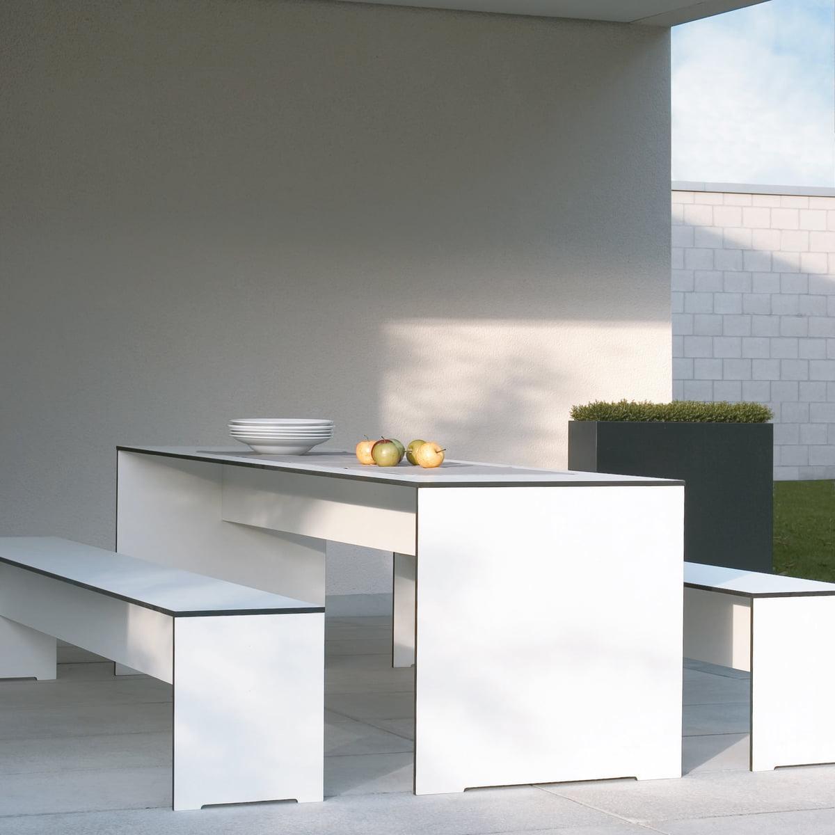 riva indoor und outdoor bank von conmoto. Black Bedroom Furniture Sets. Home Design Ideas
