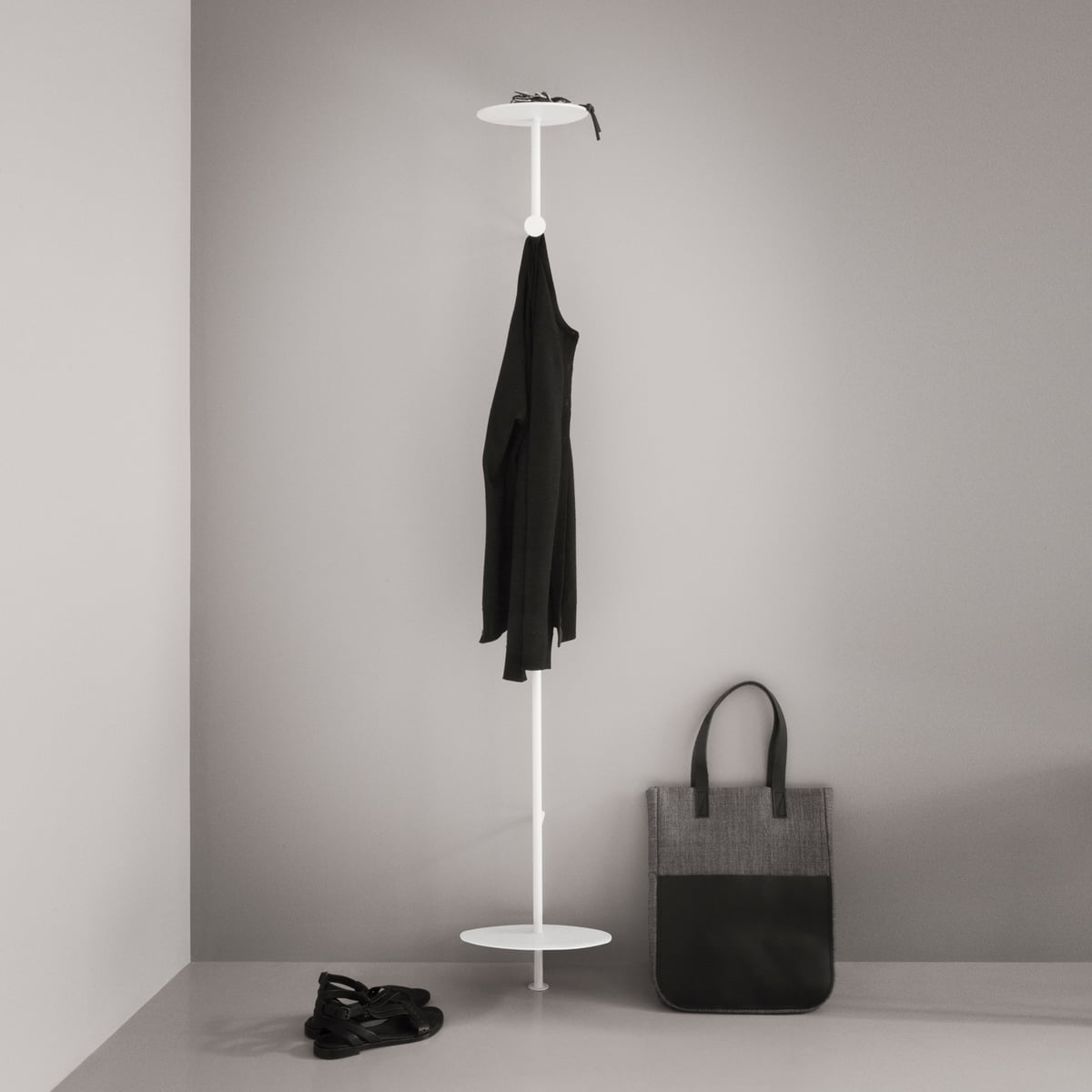 coat hanger garderobe von menu im design shop. Black Bedroom Furniture Sets. Home Design Ideas