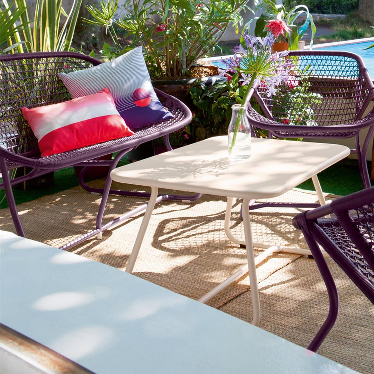 sixties bank von fermob im wohndesign shop. Black Bedroom Furniture Sets. Home Design Ideas