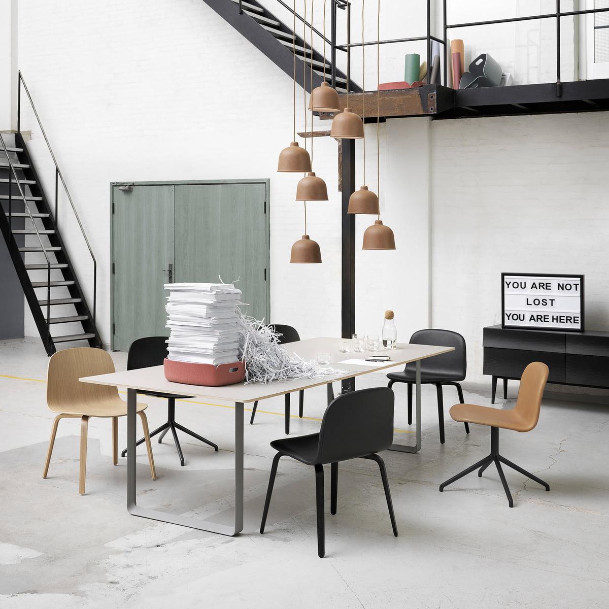 70 70 esstisch 225 x 90 cm von muuto. Black Bedroom Furniture Sets. Home Design Ideas