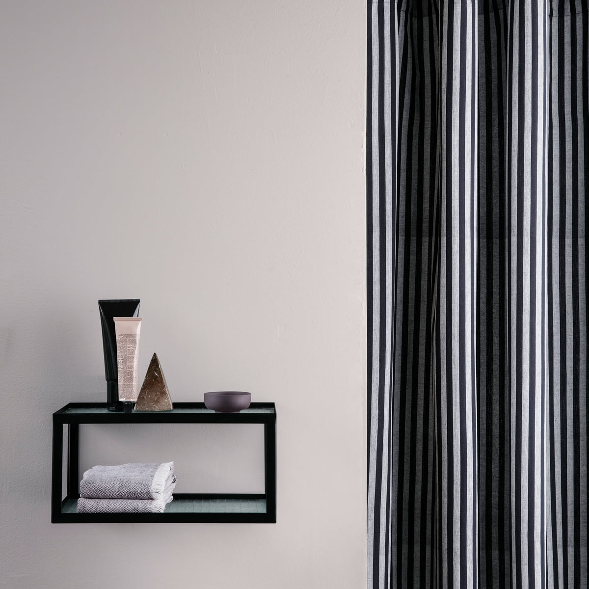 haze wandregal von ferm living connox. Black Bedroom Furniture Sets. Home Design Ideas