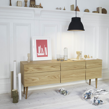 Muuto - Reflect Sideboard und Studio Lamp