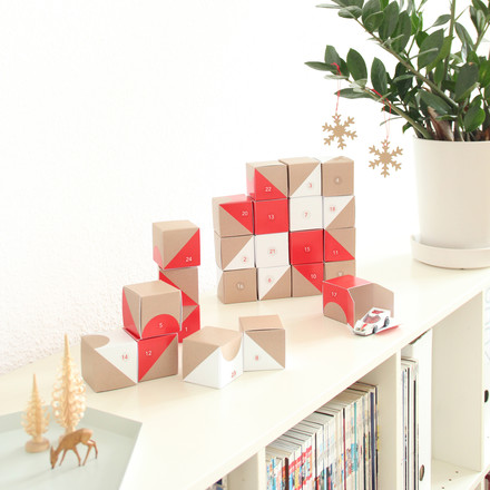 Snug.studio - snug.boxes Adventskalender, auf Regal