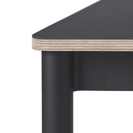 Base Table von Muuto in schwarz