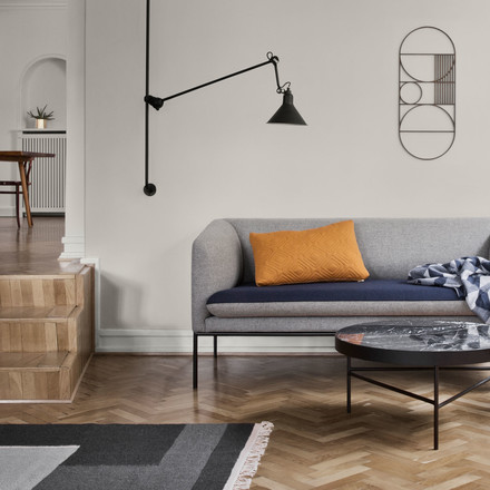 Kelim Rug Section von ferm living mit der Outline Wanddekoration