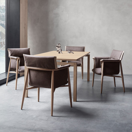 Embrace Chair von Carl Hansen