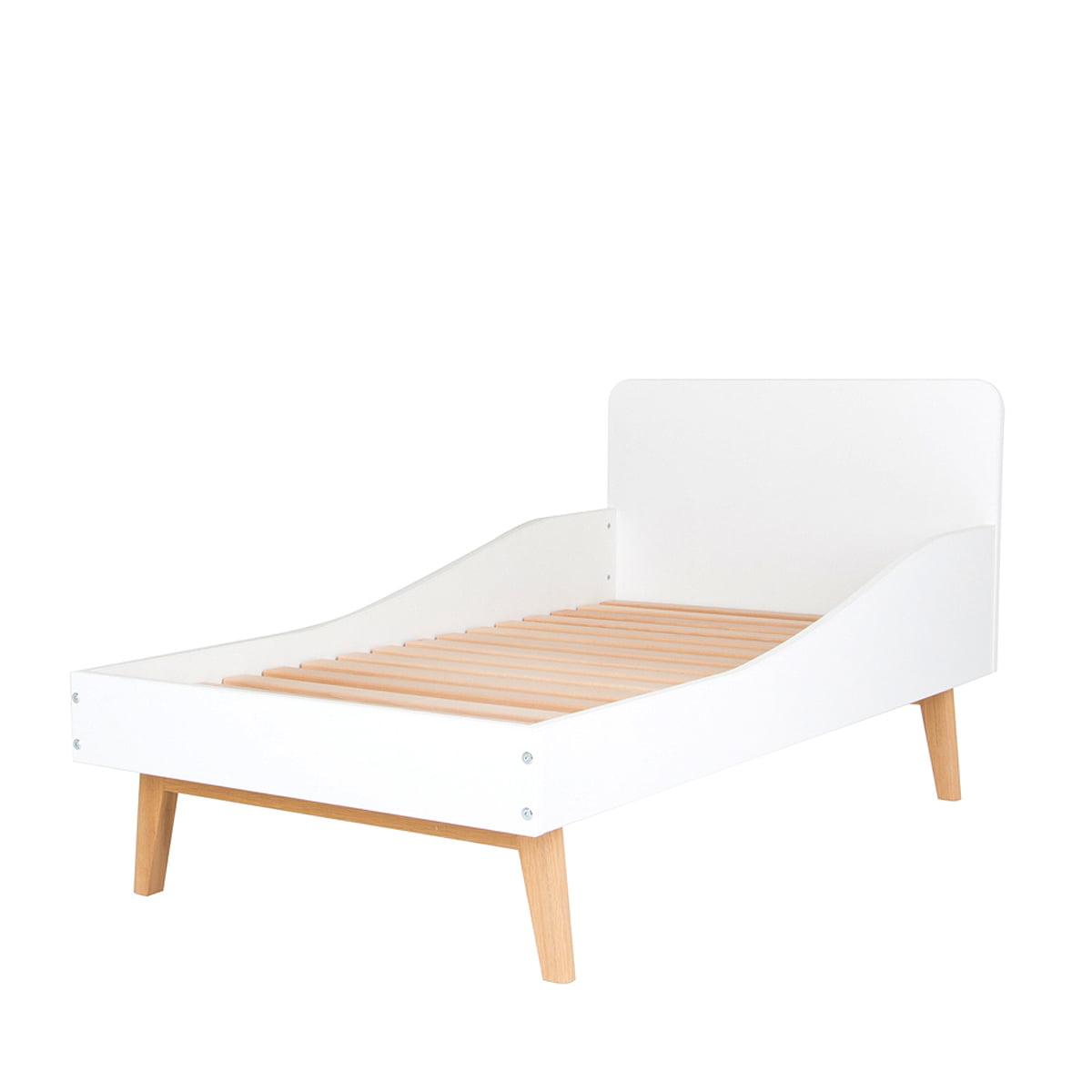 De Breuyn - debe.deline Kinderbett | Kinderzimmer > Kinderbetten | Weiß | 18 mm starke melaminplatte mit weißen kanten -  füße: eiche massiv geölt | De Breuyn