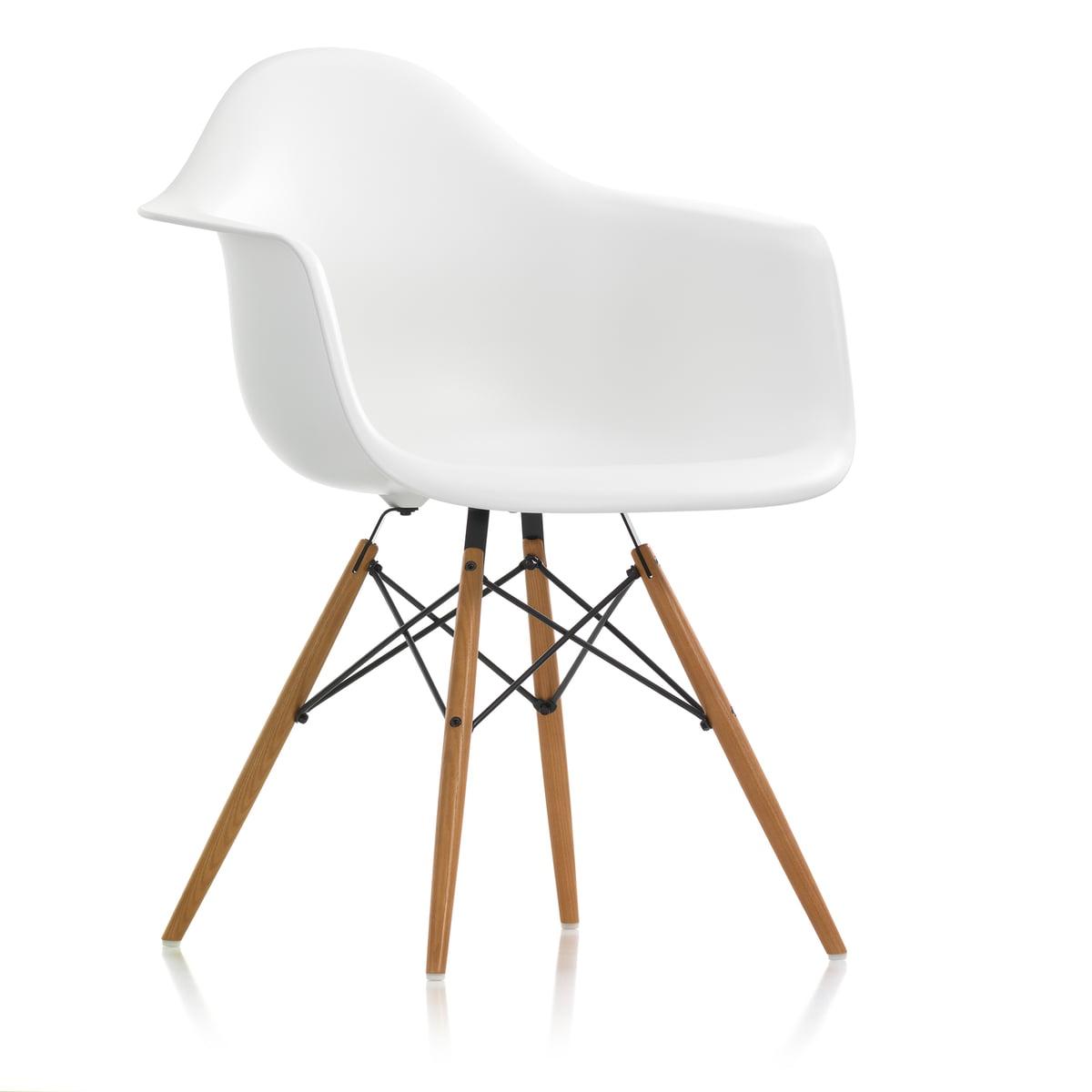 Vitra - Eames Plastic Armchair DAW, Esche honigfarben / weiß (Kunststoffgleiter weiß) | Küche und Esszimmer > Stühle und Hocker > Armlehnstühle | Weiß | Vitra