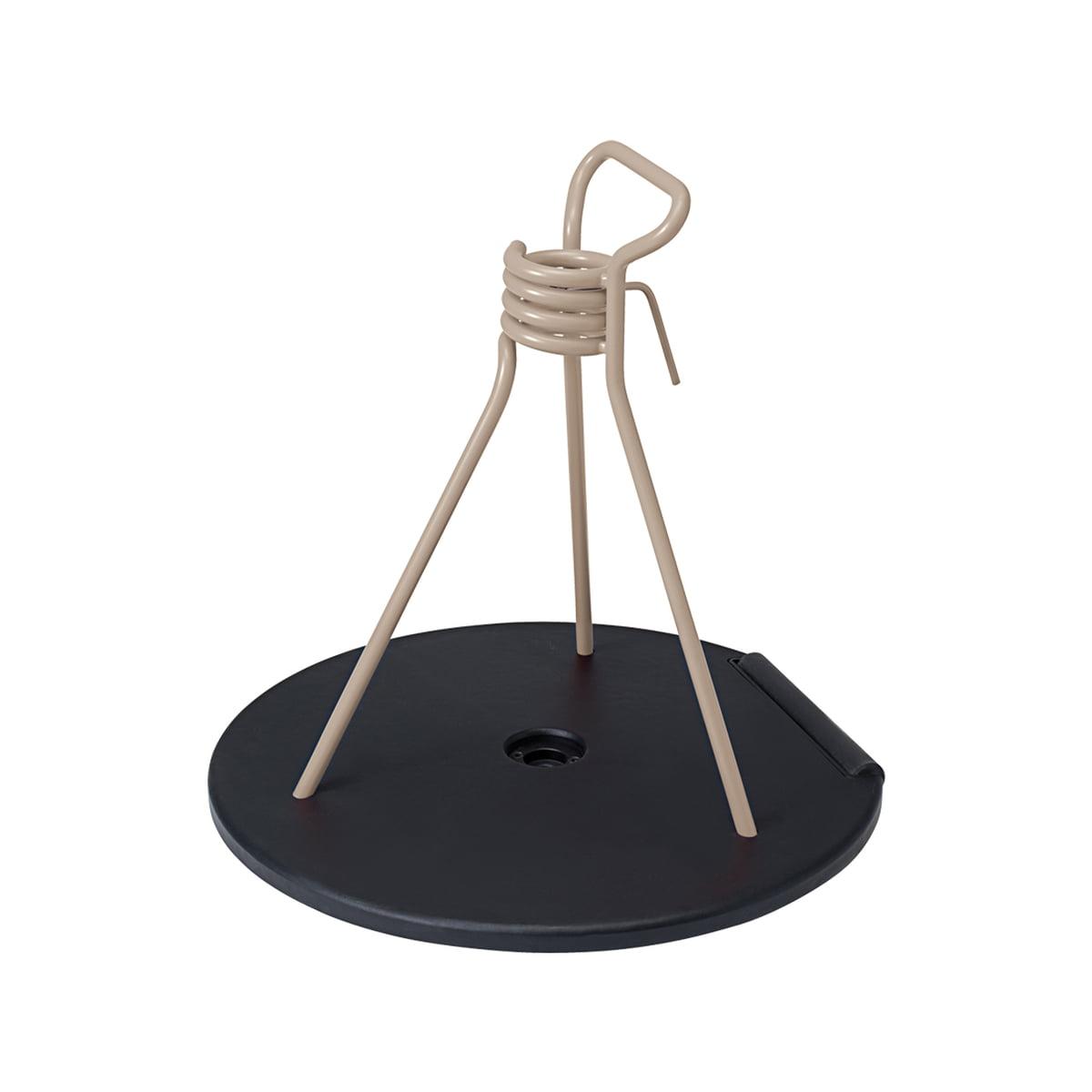 Fermob - Zébulon Schirmständer, muskat | Garten | Muskat | Sockel aus schwarzem gusseisen und stahldraht -  polypropylengleiter | fermob