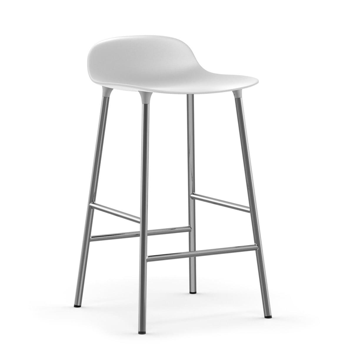 Normann Copenhagen - Form Barhocker H 65 cm, Chrom / weiß | Küche und Esszimmer > Bar-Möbel > Barhocker | Weiß | Untergestell: chrom -  sitzschale: polypropylen | Normann Copenhagen