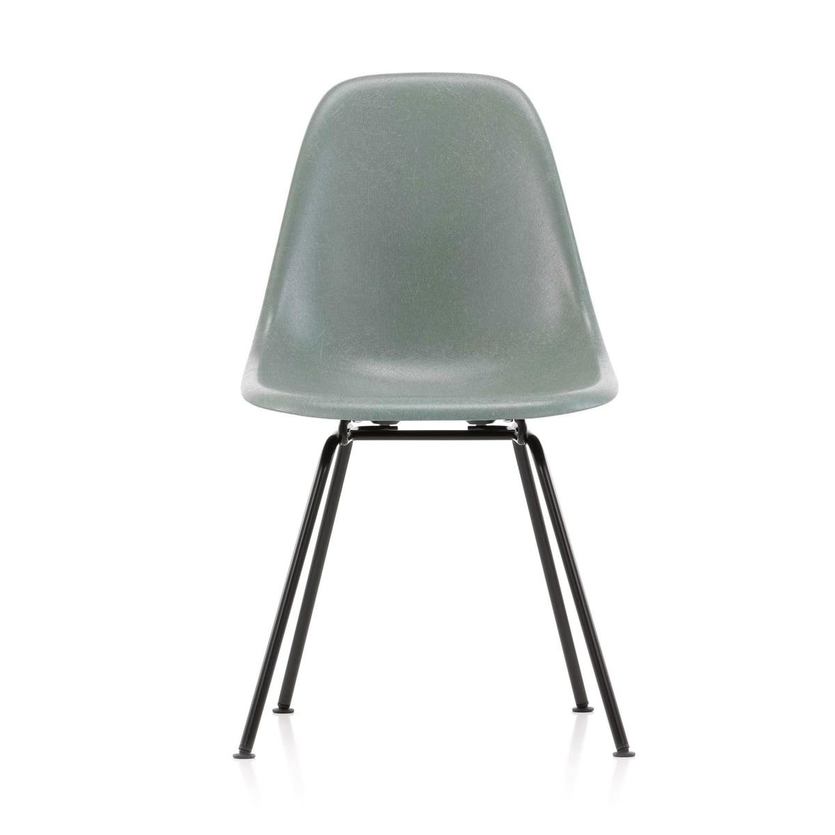 Vitra - Eames Fiberglass Side Chair DSX, basic dark / Eames sea foam green (Filzgleiter basic dark)   Küche und Esszimmer > Stühle und Hocker   Graugrün   Vitra