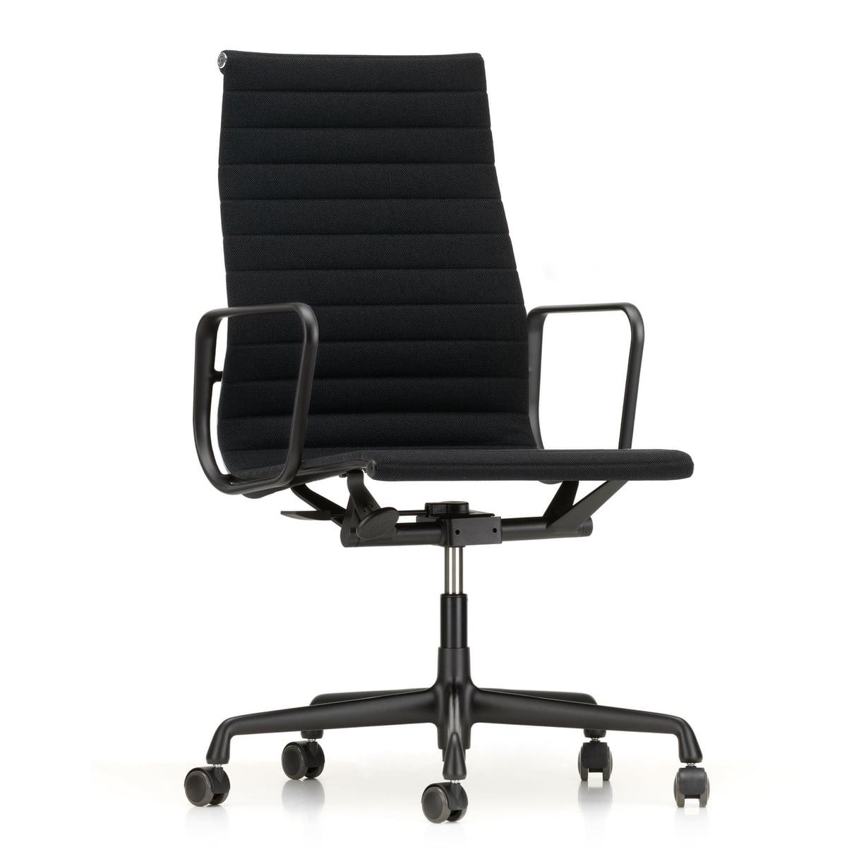 Vitra - EA 119 Bürostuhl beschichtet tiefschwarz mit Armlehnen, drehbar, Hopsak nero (Hartbodenrollen)   Büro > Bürostühle und Sessel  > Bürostühle   Schwarz   Vitra