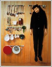 Philippe Starck, hängend an einer Wand